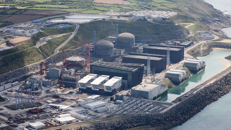 رويترز: أنباء عن إصابات جراء انفجار في مفاعل نووي شمالي فرنسا
