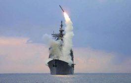 بارجة أمريكية تقصف معسكرا لتنظيم القاعدة في أبين