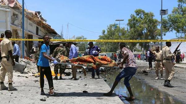 الصومال.. مقتل 14 في انفجار لغم بحافلة ركاب