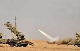 إعتراض صاروخين باليستيين في سماء مدينة المخا