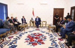 رئيس الجمهورية يستقبل المبعوث الاممي الى اليمن مارتن غريفيث