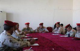 إجتماع لقيادات عسكرية وأمنية بتعز