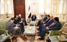 بعد مغادرته صنعاء جريفيث يلتقي بالرئيس هادي في الرياض
