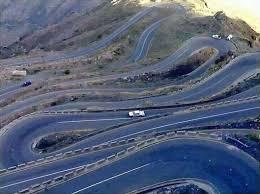 عضو في مجلس الشورى يقود مبادرة لفتح خط جبل ثره بأبين