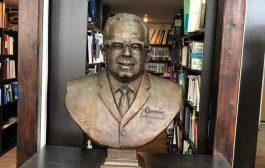 ازاحة الستار عن تمثال المفكر اليمني عبدالله باذيب في موسكو