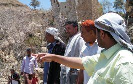 لحج: مدير عام المقاطرة يتفقد منطقة قور ويطلع على إحتياجات المواطنين فيها