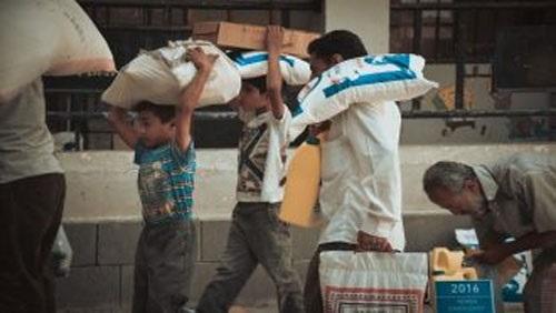 الحكومة اليمنية تطالب  بإجراء تصحيح شامل لآلية العمل الإغاثي