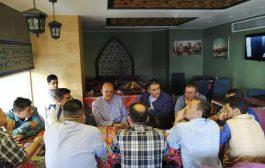 محافظ تعز يلتقي باللجنة الطبية العسكرية في القاهرة