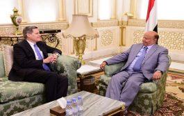 الرئيس هادي يستقبل السفير الأمريكي  لدى اليمن