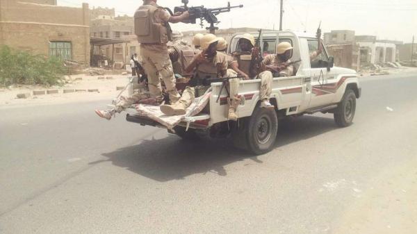 أبين : مقتل جنديان وإصابة أربعة آخرين بإنفجار عبوة ناسفة