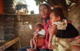 صحيفة أمريكية: الحوثيون يسرقون الطعام من أفواه الأطفال في اليمن