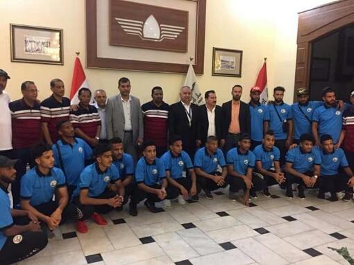 الأحمر اليمني يصل العراق والمدرب يعد الجماهير «تعرف على التشكيلة وابرز المستبعدين والعائدين»