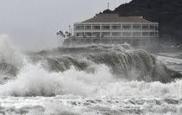 اليابان: تشريد نصف مليون شخص تحسبا لاعصار مدمر