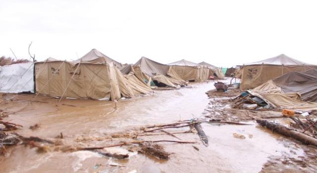 اليمن: الحكومة تناشد لمساعدة 7334 أسرة نازحة نكبتها السيول