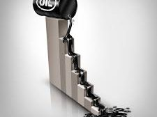 أسعار النفط تنخفض مع مخاوف من تزايد الطلب العالمي