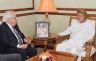 سلطنة عمان تناقش جهود السلام مع المبعوث الأممي إلى اليمن