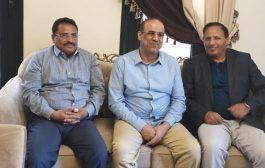 بيان لثلاثة مسؤولين بالحكومة اليمنية يطالب بإنهاء مشاركة الامارات في التحالف ومحاكمتها دولياً (بيان)