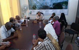 البري يلتقي بأهالي منازل شرطة المنصورة لمناقشة بعض القضايا الخدمية