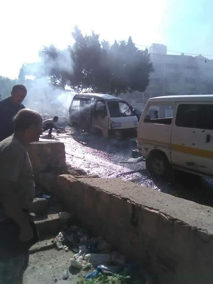 إصابة امرأة ورجل بقذيفة لمليشيات الحوثي شمال تعز