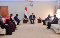 رئيس الوزراء يستقبل القائم بأعمال ممثل صندوق الأمم المتحدة للسكان في اليمن