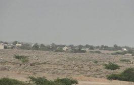 الحوثيون يستهدفون منازل المواطنين في منطقة الجاح جنوبي الحديدة