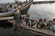 ارتيريا تفرج عن 50 صياد يمني مقابل 8 من جنودها