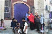 إضراب لشركات الصرافة بعدن ومدير مكتب محافظ البنك يكشف سبب انهيار العملة