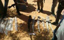 السيول تكشف عن مخزن اسلحة نوعية في جوار معسكر الحرس الجمهوري بسواد حزيز