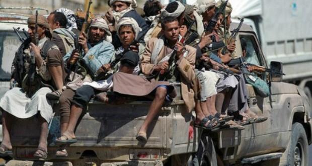 اقتحام الحوثين وزارة الاوقاف والإرشاد