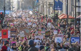 البريطانيون يتظاهرون ضد ترامب