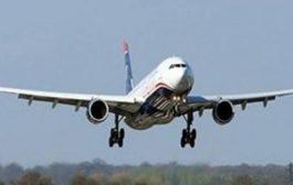برلماني هندي يهاجم مضيف طيران بـ