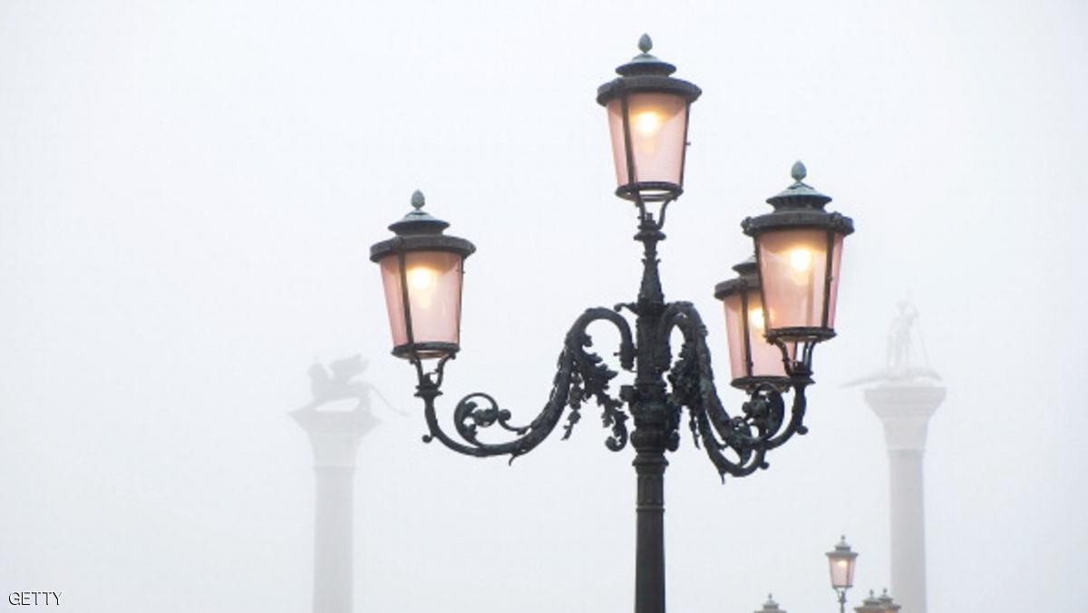 روما تضئ شوارعها بمصابيح