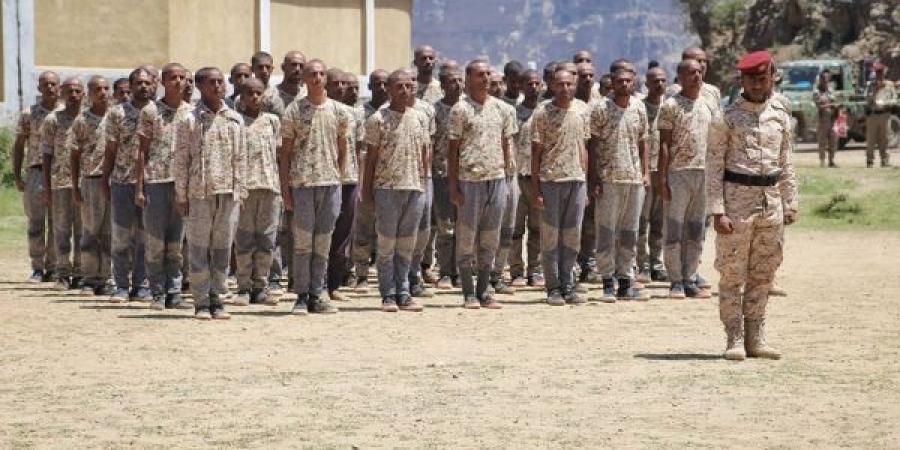 إستمرار الحشد والتدريب العسكري في الشمايتين بتعز و الاشتراكي يحذر