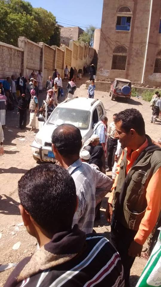 مجموعة مسلحة تقتحم محكمة المعافر بتعز.