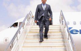 رئيس الوزراء يصل العاصمة المؤقتة عدن قبل قليل