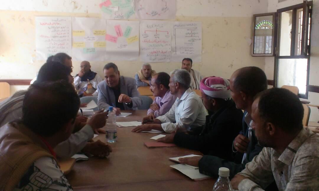الوكيل الصنوي يرئس اجتماع المجلس المحلي بمديرية سامع ويشيد بادائه