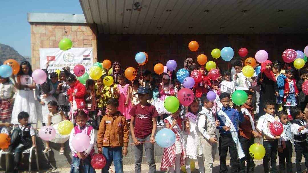جمعية cssw تقيم رحلة ترفيهية للأطفال الأيتام بتعز