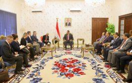 الحكومة اليمنية تشيد بموقف أمريكا اتجاه الحرس الثوري الإيراني وتصنيفه منظمة إرهابية