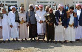وصول جثمان الشيخ محسن بن علي بن معيلي الى مطار سيئون الدولي