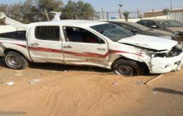 وفاة شخص وإصابة آخرين في حادث مروري في الطريق الرابط بين مدينة المكلا وسيئون