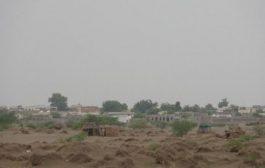 إصابة أربعة مدنيين بقصف مليشيات الحوثي الأحياء السكنية في مديرية حيس