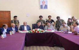 عاجل..رئيس الوزراء يوجه بإدراج الوحدات العسكرية المنظمة للشرعية بشبوة ضمن الجيش الوطني