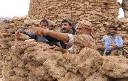 محافظ صنعاء يزور الخطوط الأمامية بجبهة نهم