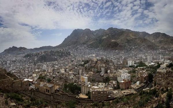 مقتل ثلاثة مدنيين بقصف حوثي على مدينة تعز