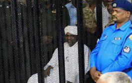 السودان.. تجمع المهنيين يجادل البرهان حول مصير البشير والدعم الإماراتي السعودي