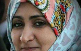 سياسية يمنية تطالب الناشطين في تعز بالرد على وكيل اول المحافظة