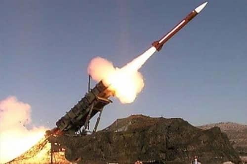 هجوم حوثي جديد بصاروخ باليستي على  المخا
