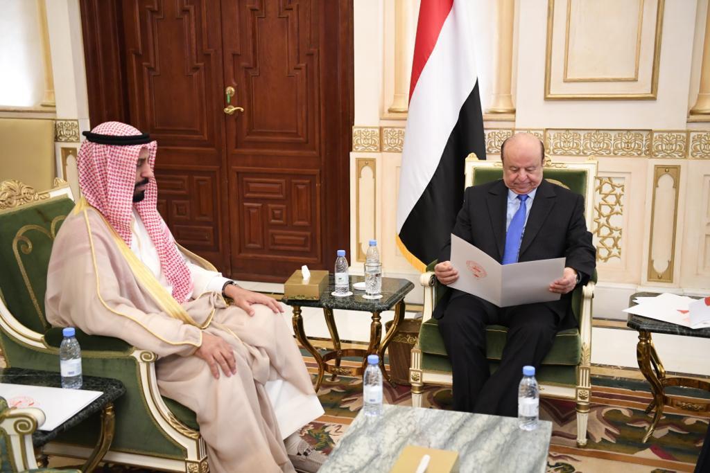 الرئيس هادي يتسلم رسالة من أمير الكويت