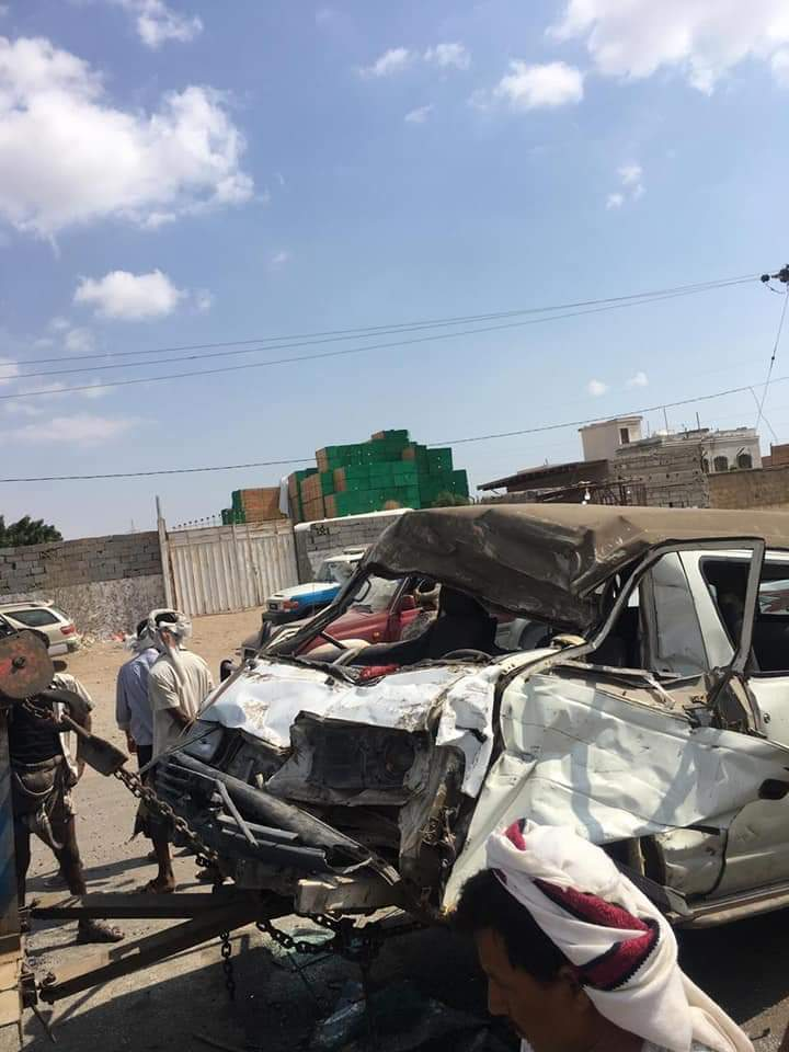 إصابة عدد من المواطنين في حادث مروري بلحج