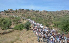 مسيره جماهيرية بريف تعز تطالب بكشف نتائج التحقيقات بجريمة اغتيال العميد عدنان الحمادى
